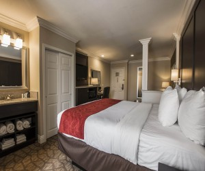Spacious Guest Room at San Clemente Hotel