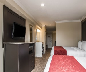 Deluxe Two Queen Suites near Camp Pendleton