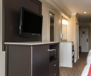 Comfort Suites San Clemente - TV in Two Queen Suite Room